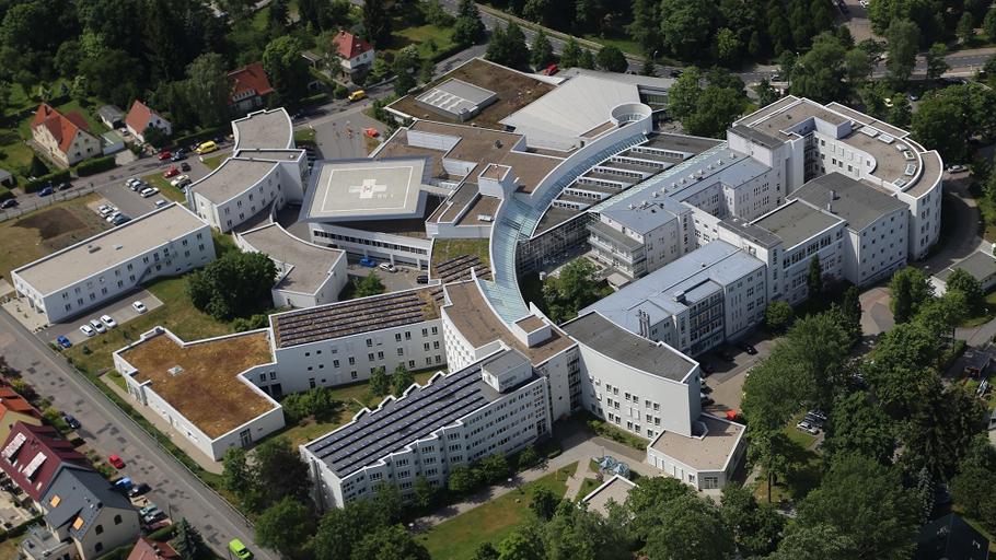 Bauablaufsplanung, Statik, Ingenieurtechnische Kontrolle und baulicher Brandschutz für Erweiterung Kreiskrankenhaus Freiberg.Luftaufnahme