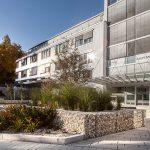 Statik, Planung und ingenieurtechnische Kontrolle für RoMed Klinik Prien am Chiemsee 2. BA Neubau Südbettenhaus. Außenansicht