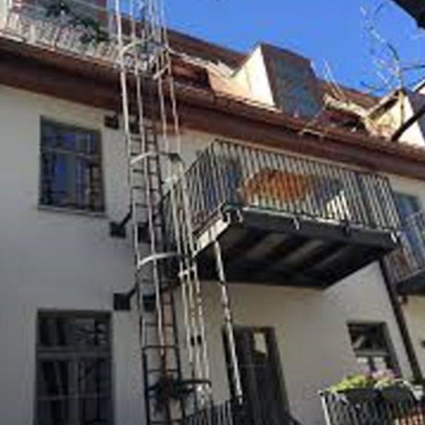 Bestandsbewertung, Statik, Pläne, baulicher Brandschutz und Ingenieurtechnische Kontrolle für Sanierung Wohnhaus Kapuzinerstraße. Außenansicht